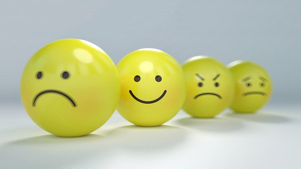 brand voice Brand Voice: 5 Must-Have Verbal Standards smiley 2979107 640